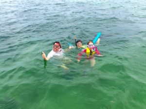Keys Boat Tours family snorkel